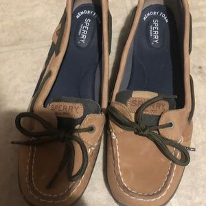 Women's Sperry Boat shoes size 10